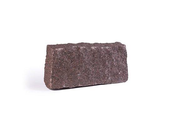 Kamień murowy o naturalnym przełomie